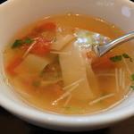 菜食 左ェ門 - トマトとワンタンのスープ