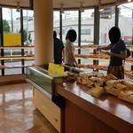 シャンテーコジマ - 通常の販売しているパンのスペース