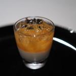 ジョンティアッシュ - フロマージュブランのムース アプリコットのクーリとシャンパーニュのジュレを添えて