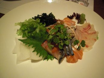 Japanese Dining & Wine ���傤�̂� �{�X