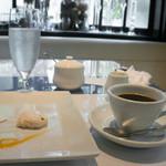 チェーロ - デザート盛りとコーヒー