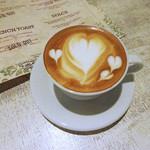 マザー アース カフェ - カフェ・ラテのハート