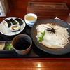 花月うどん - 料理写真:ざるうどん大盛700円と巻き寿司(四個入り)320円