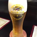 ビストロ アルカンジュ - 開店記念サービスのプレミアム生ビールで乾杯