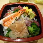 しょうぶ - 海鮮丼☆新鮮な魚介類がてんこもり!