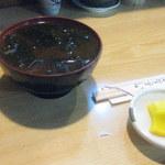 とり安 - 味噌汁とお新香