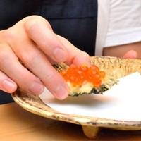 天ぷらとワイン小島名物いくらのカナッペ♪