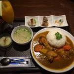 三男SAIGON - ベトナム風の鶏カレー201506
