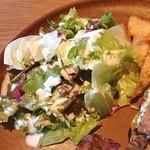 カフェ サカイ - ミニサラダは葉っぱ盛り合わせwシーザーサラダドレッシングで。そこそこ量があります。