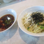 手打ち中華そば 侍 - 手打ちつけ麺、赤(せき)味¥850、拉麺維新2015期間限定メニュー