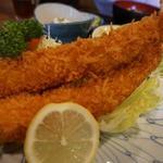 えび松 - 海老フライ定食(松)の海老アップ