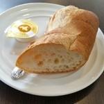街のフレンチ洋食レストラン ふじゅう  - パン