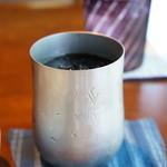 ジャック&ベティー - アイスコーヒーは、アルミのカップで出てきました