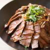 佰食屋 - 料理写真:国産牛ステーキ丼単品1000円(+税)