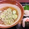 青ひげ - 料理写真:すだち冷かけ蕎麦と明太おにぎりのセット
