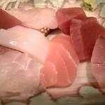 市場亭 - 料理写真:刺身。