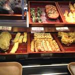 羽生製麺処 - 天ぷら各種