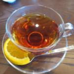 ベーカリーアンドテーブル - べにふうき茶 オレンジスライス添え