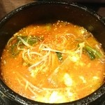 李朝園 - 料理写真:赤いスンドゥブ 夏も冬もウマイっ!