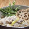 うどんと鶏めし 福すけ - 料理写真:【とり南蛮うどん】鶏肉は『華味鳥』を使用しあっさりとした中にも出汁と鶏の旨味を感じられる一品です。