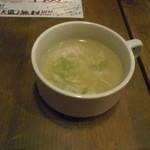 40486641 - スープは辛めで美味いが、少ししょっぱいか。