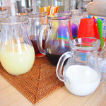 カフェ オムニバス - セルフドリンクコーナー