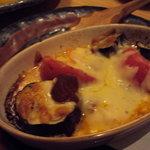彩旬酒肴あさ井 - ナスとトマトのチーズ焼き