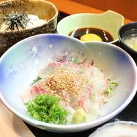 【1日10食限定】鯛めし定食は880円!