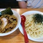 壱 - みそつけ麺大650円