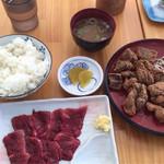 鯨食堂 - 刺身定食(600円)、竜田揚げ(単品400円)