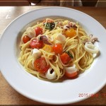 イルチエロ - パスタランチ Pranzo A 小ヤリイカ・トマト・バジリコのスパゲティ