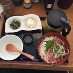 こめらく - 【柚子胡椒風味!キハダまぐろのたたきおひつ飯…980円】♫2015/8