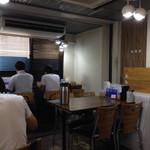ラーメン人生JET - 店内テーブル席@2015/08/09
