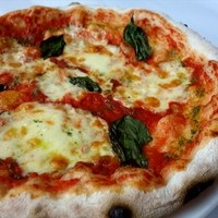 さっくり!モチモチのナポリ風ピザ♪