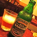 ニャーヴェトナム - ヴェトナムのビールを初めて飲みましたが、スッキリ澄んだ感じでとっても美味しいです!3種全部制覇しました(笑)
