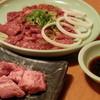 カルビの王様 - 料理写真:ハラミ&熟成ハラミ(奥) サイコロカルビ(手前)