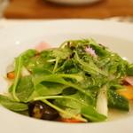 アンクィール - ENCUEIL Lunch Petit course (契約農家の野菜など十数種類の野菜 焦しバターとハーブ塩で香りづけしたサラダ仕立て)