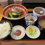魚や きてれつ - さわら揚げおろし煮と刺身の定食 1000円