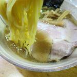 らーめん初代 - 新塩の麺