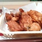 ケンタッキーフライドチキン - 料理写真:「とりの日」パック(オリジナルチキン4、クリスピー3)です。(2015年7月)