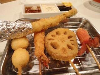 横田酒場 - 横田の定番!まずは串揚げ!