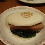 京華園 - 豚角煮まんじゅうは、自分で包む