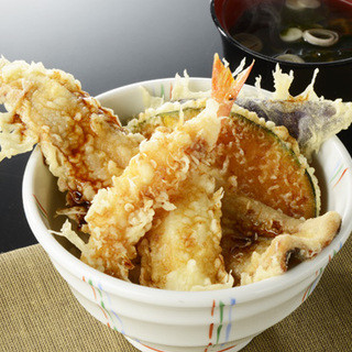 素材の味が引き立つ【揚げたての天ぷら】