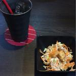 ブコウスキー - ランチのサラダ+ドリンク