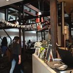 カフェ シャルボン - 店内
