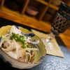きんのお燗 - 料理写真:お通しと日本酒