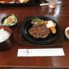 前菜と和風ステーキの店 膳 - 料理写真:お盆限定の、ハンバーグ+エビフライセット