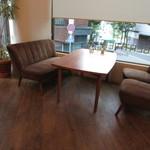 ベルティエ - 内観:4人テーブル