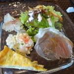 プーラヴィーダ - プチコース2250円+税 前菜4種盛り合わせ