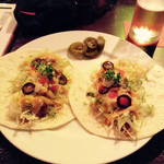 MKYアメリカンレストラン - タコス(柔らかい方です)2P パラペーニャをのっけて、包んで食べると美味しいですよ(^^)。